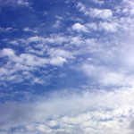 Wolken am Oktoberhimmel