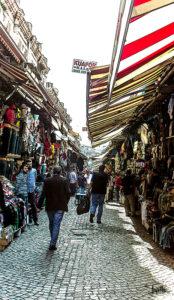 Gasse außerhalb des großen Bazar