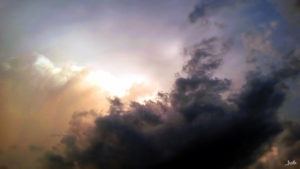 Dunkle Regenwolke