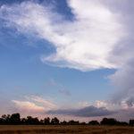 Wolkenbilder im Feld
