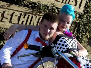 Hochzeit mit einem Motorrad
